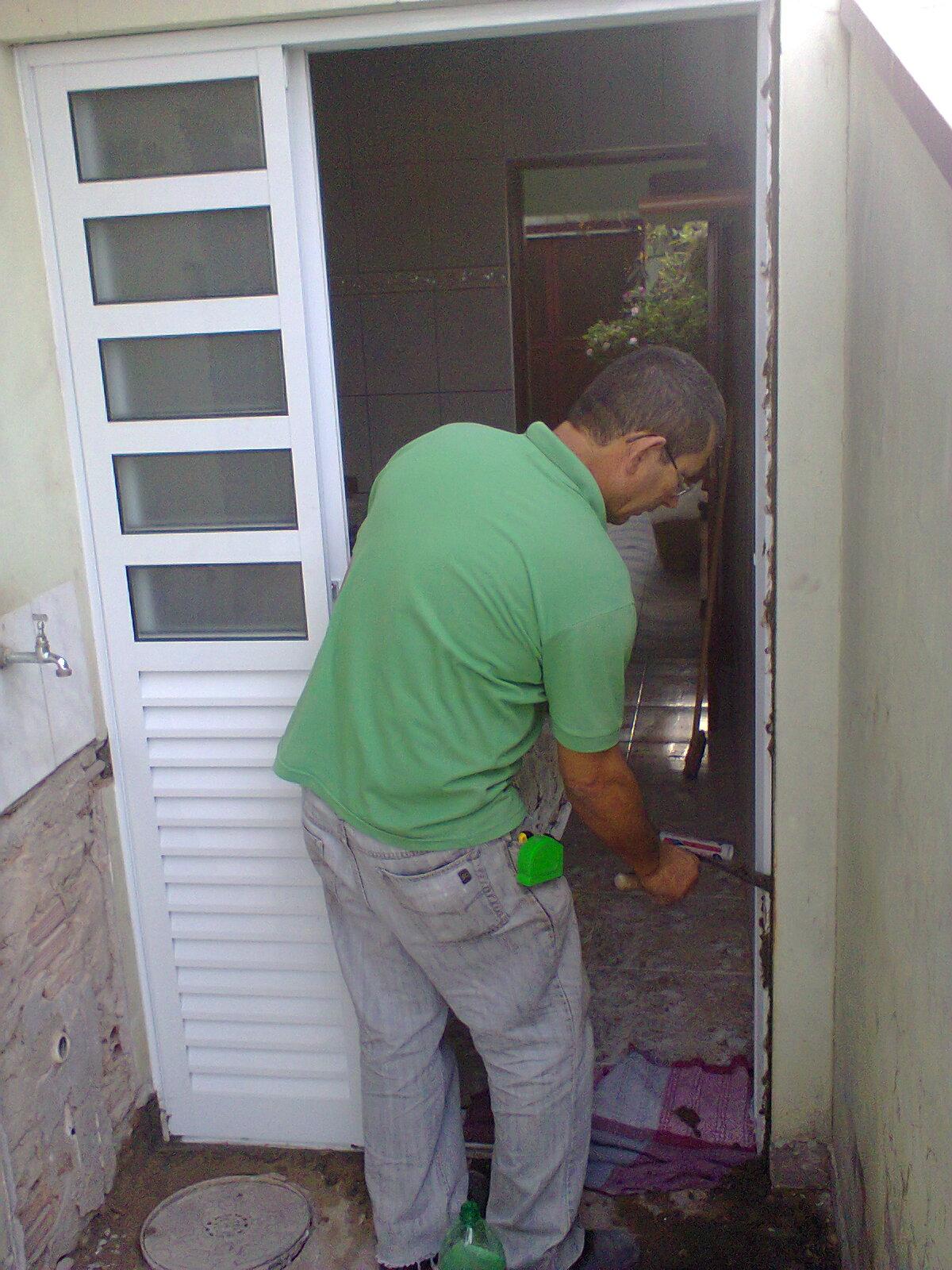 #3E6F42 Porta De Alumínio Predial Branco Postigo Porta De Alumínio Branco  4384 Janela Aluminio Instalação